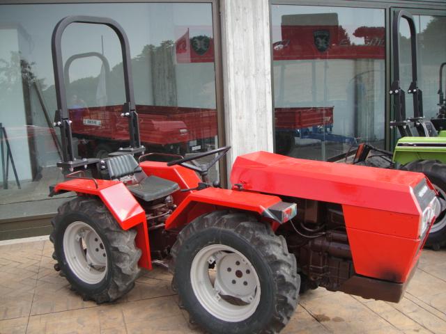 Macchine agricole di carlo tonani for Motocoltivatore carraro